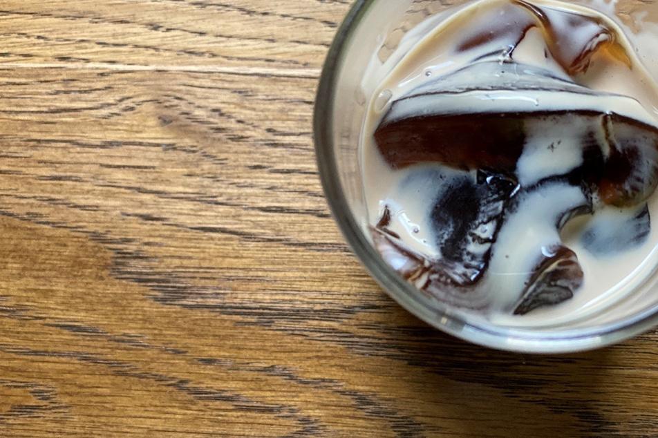「まろやかな甘みのあるきび砂糖でつくるコーヒーゼリーは、とても美味しいです」(お客さまの声)
